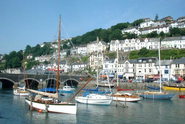 A photograph of Looe harbour and bridge.